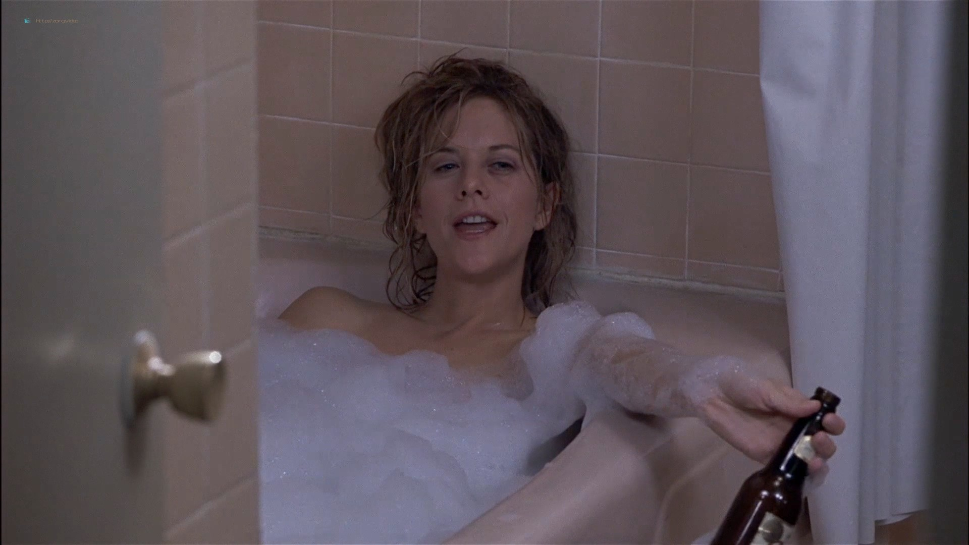 Gwyneth Paltrow nude Meg Ryan and Barbara Alyn Woods nude too - Flesh and Bone (1993) HDTV 1080p (12)