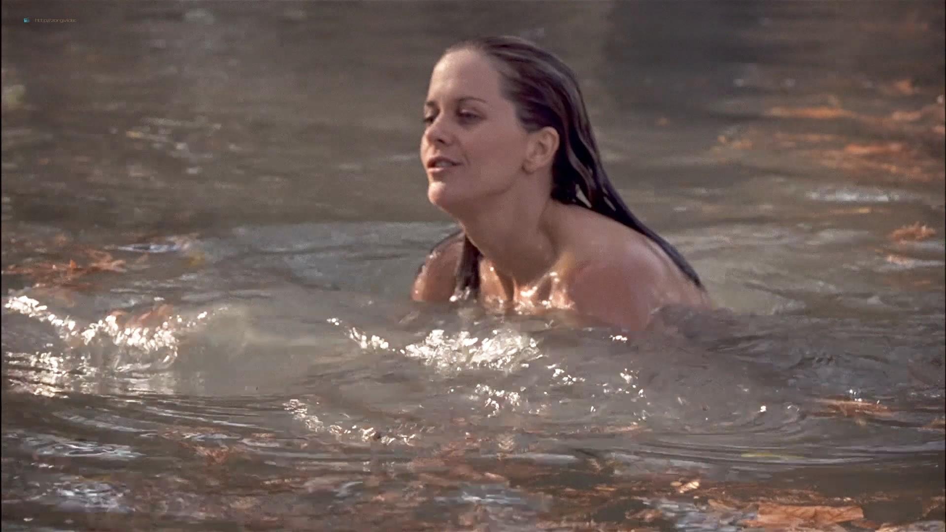 Gwyneth Paltrow nude Meg Ryan and Barbara Alyn Woods nude too - Flesh and Bone (1993) HDTV 1080p (11)