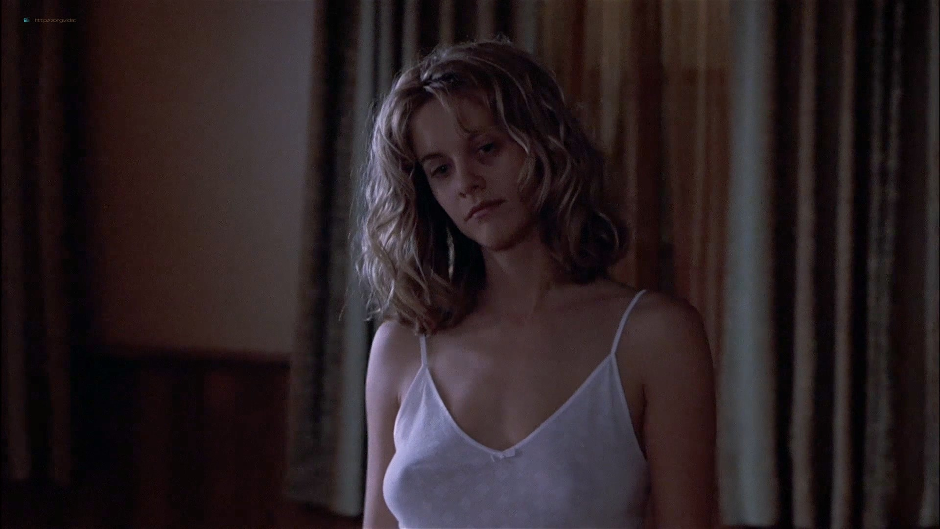 Gwyneth Paltrow nude Meg Ryan and Barbara Alyn Woods nude too - Flesh and Bone (1993) HDTV 1080p (10)