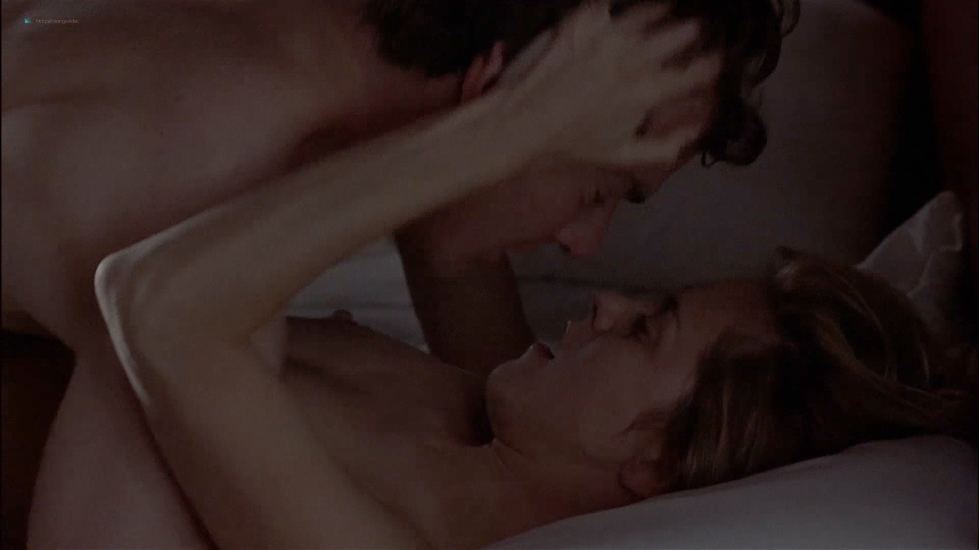 Gwyneth Paltrow nude Meg Ryan and Barbara Alyn Woods nude too - Flesh and Bone (1993) HDTV 1080p (8)