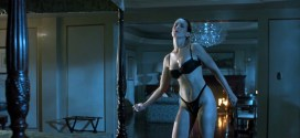 Jamie Lee Curtis hot sexy and funny - True Lies (1994) hd1080p (10)