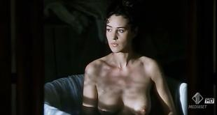 Monica Bellucci nude topless wet and sex outdoor - Briganti; Amore e liberta (1993) hdtv720p (4)