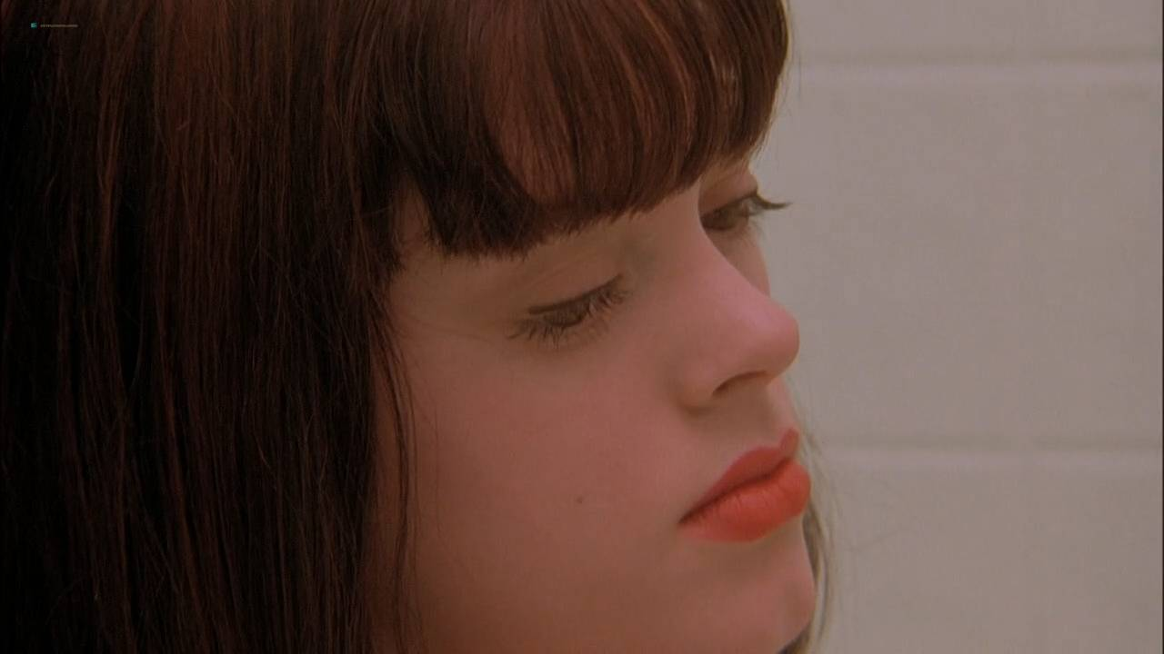 Rose McGowan nude topless and sex threesome - The Doom Generation (1995) hd720p (15)