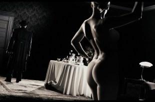 Eva Mendes nude butt Scarlett Johansson and Paz Vega hot - The Spirit (2008) HD 1080p BluRay (15)