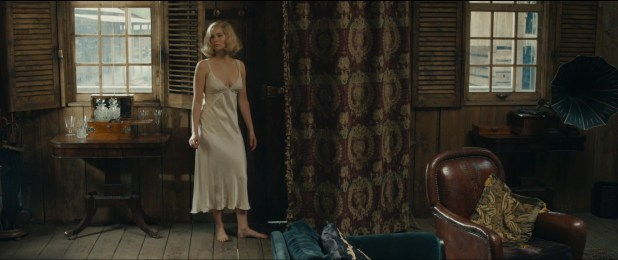 Jennifer Lawrence hot sexy some sex and great cleavage - Serena (2014) hd1080p (6)