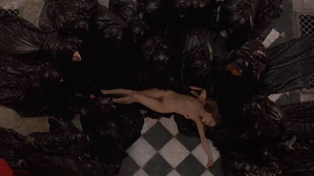 Laure Marsac nude topless and bush Nicole DuBois nude stripping and Indra Ové hot cleavage - Interview With The Vampire (1994) hd1080p (16)