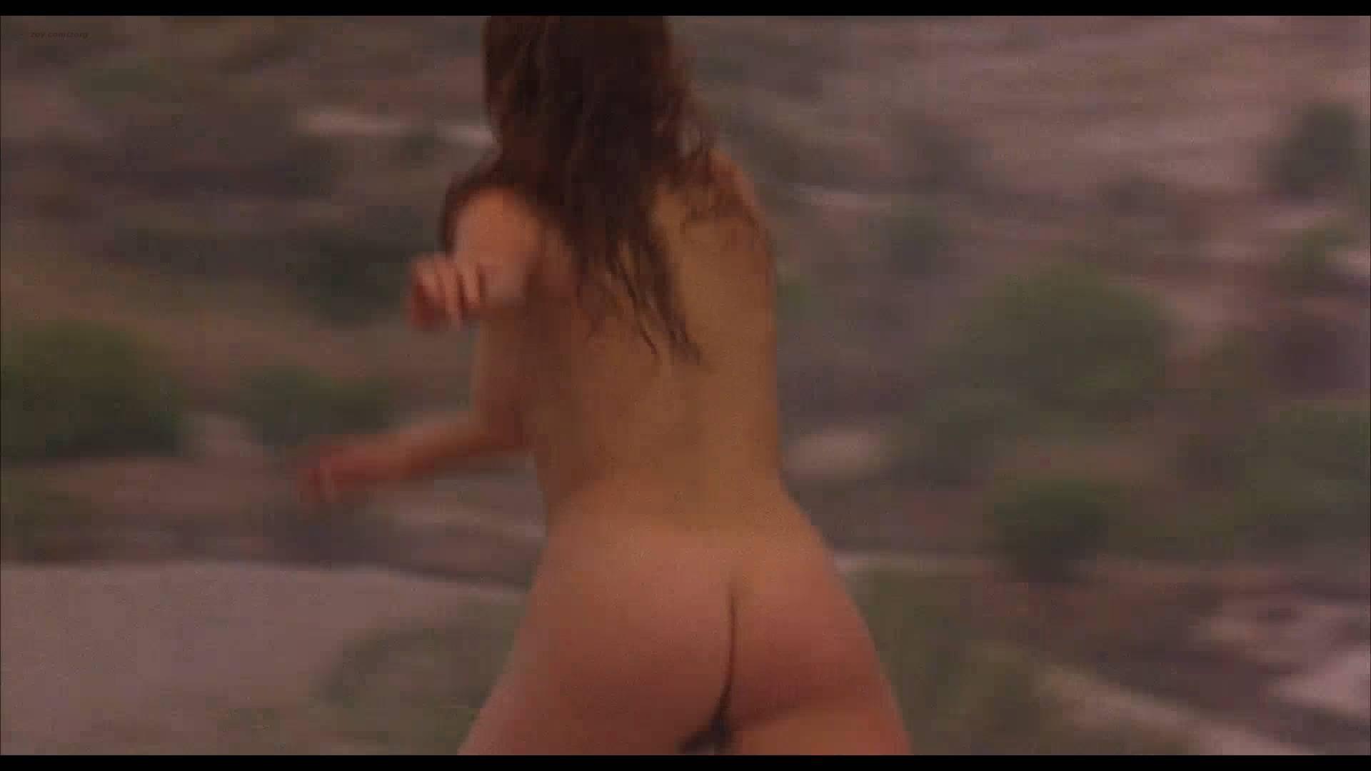 Lumi Cavazos nude full frontal Claudette Maille nude bush and Regina Torné nude topless - Como agua para chocolate (1992) 1080p (9)