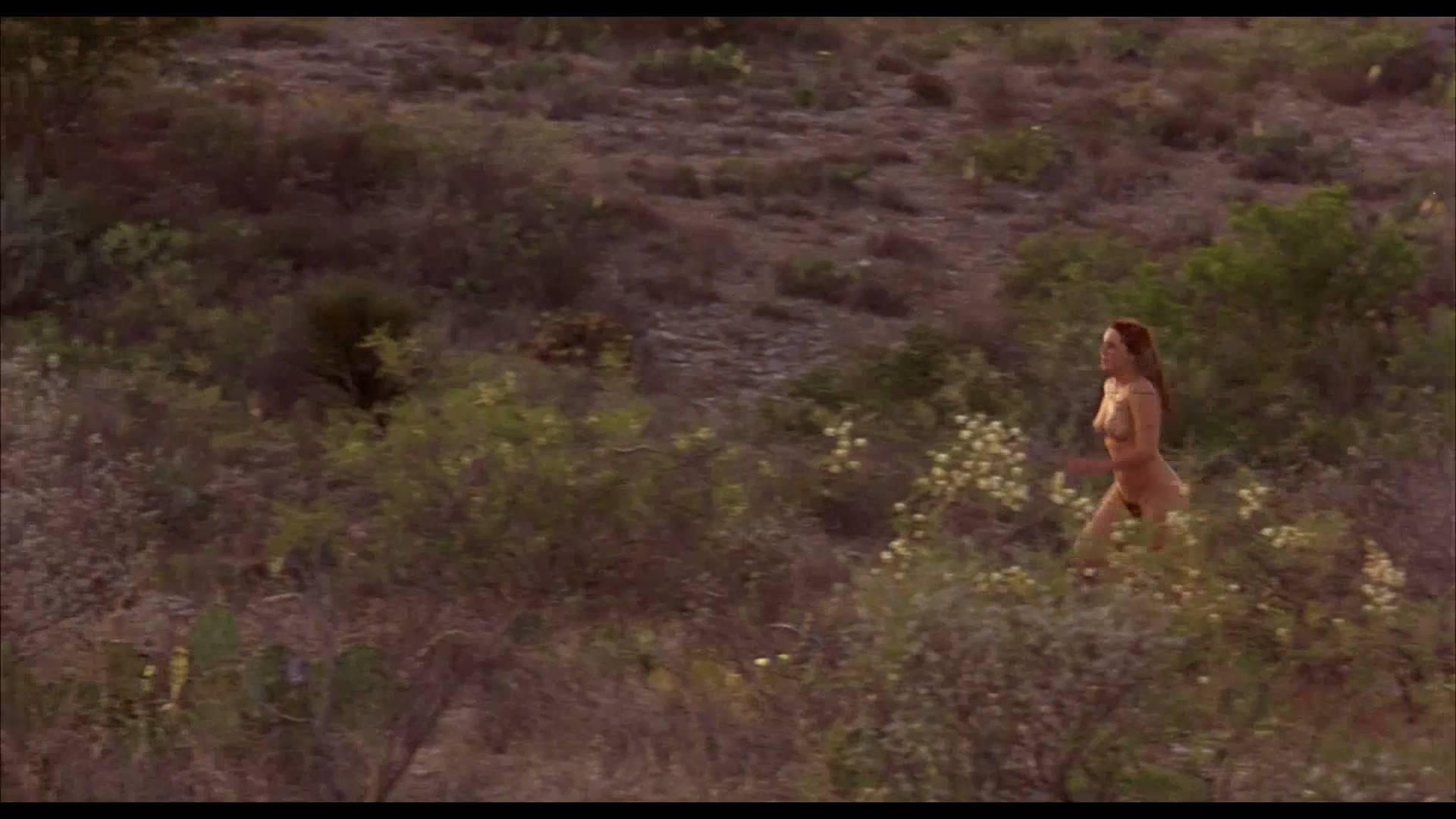 Lumi Cavazos nude full frontal Claudette Maille nude bush and Regina Torné nude topless - Como agua para chocolate (1992) 1080p (8)