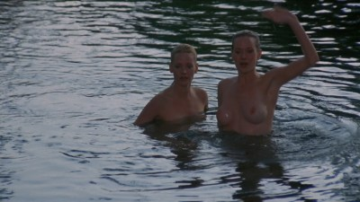 Lynette and Leigh Harris nude twins hot and wet - Sorceress (1982) hd1080p (6)