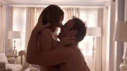Lisa Edelstein hot in lingerie and sex Beau Garrett and Julianna Guill hot - Girlfriends Guide to Divorce (2014) s1e1-2-3 hd1080p (7)
