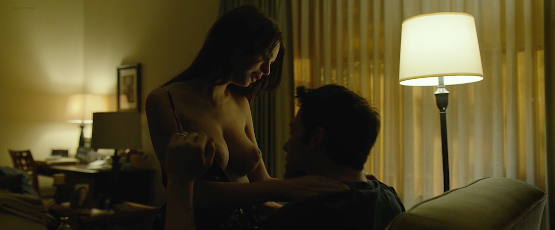 Rosamund Pike nude side boob and sex and Emily Ratajkowski nude topless and sex - Gone Girl (2014) WEB-DL hd1080p (13)