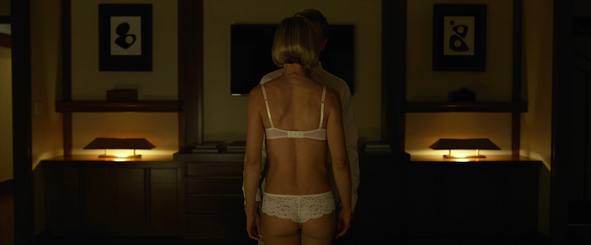 Rosamund Pike nude side boob and sex and Emily Ratajkowski nude topless and sex - Gone Girl (2014) WEB-DL hd1080p (5)