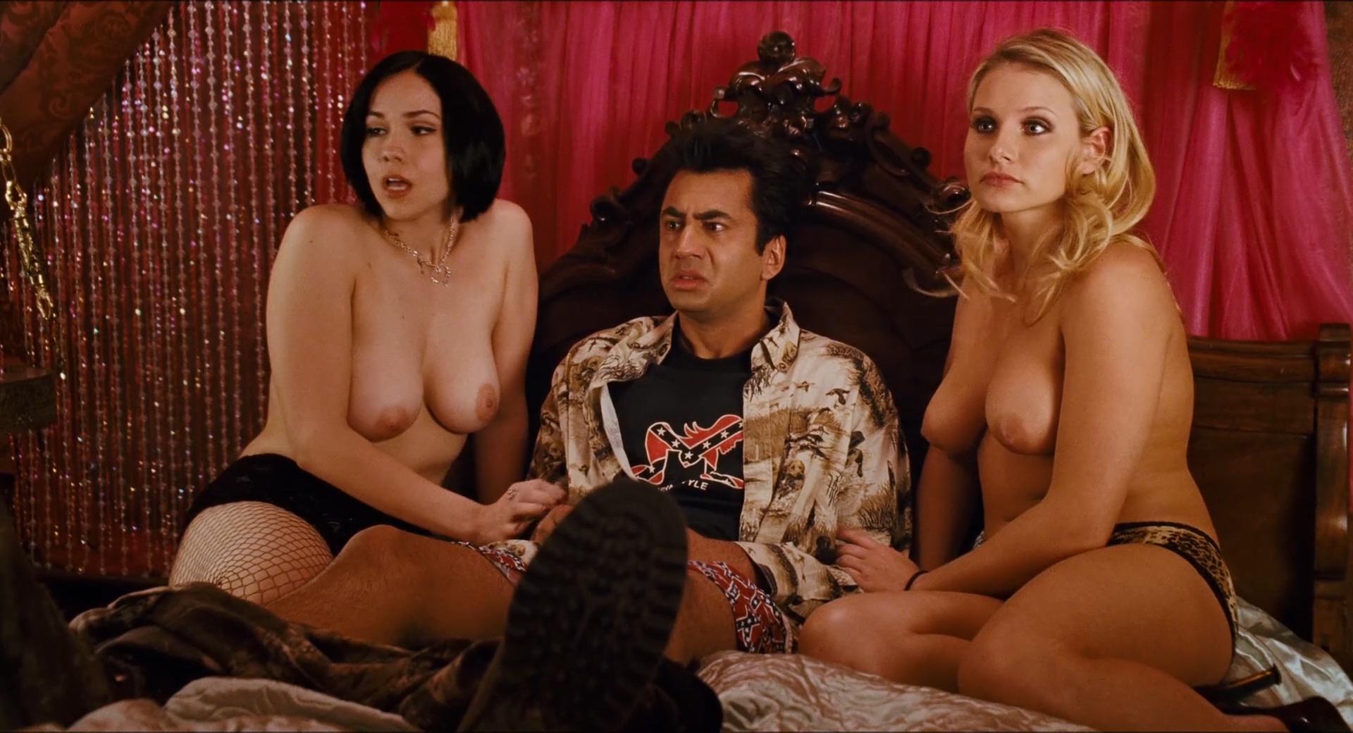 Harold and kumar nude scenes