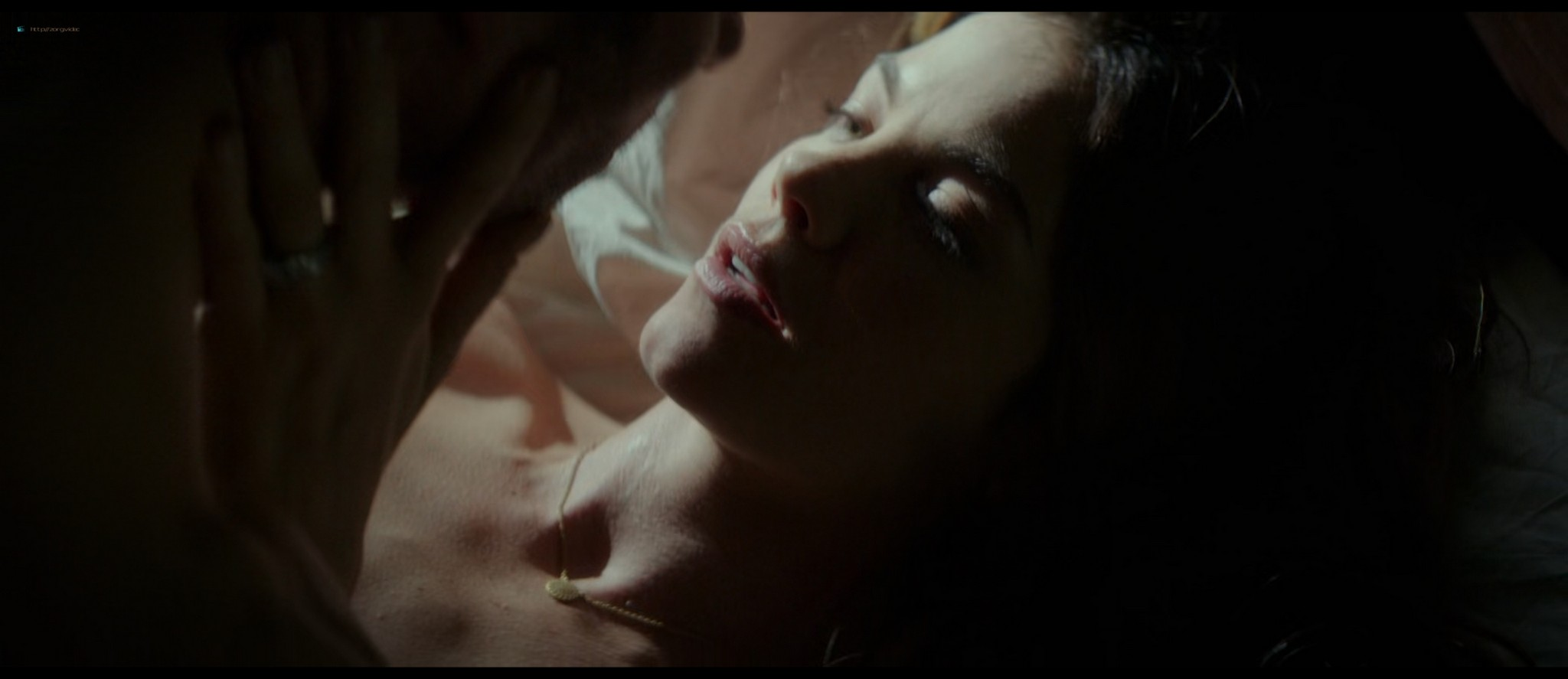 Michelle Monaghan hot see-through and Liana Liberato hot mild sex - The Best of Me (2014) HD 1080p BluRay (6)