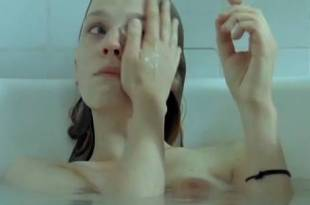 Clémence Poésy nude brief side boob and nipples in the bath Yael Abecassis hot not nude – Sans Moi (FR-2007)