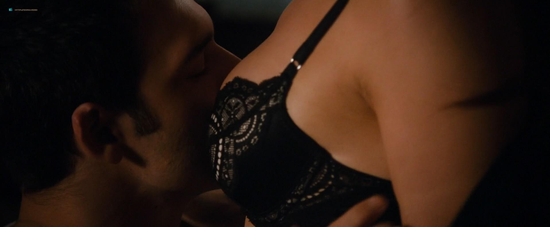 Jennifer Lopez hot sex scene and Lexi Atkins nude sex - The Boy Next Door (2015) HD 1080p (12)
