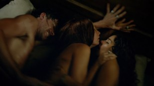 Jessica Parker Kennedy and Clara Paget nude sex threesome - Black Sails (2015) s2e5 hd1080p