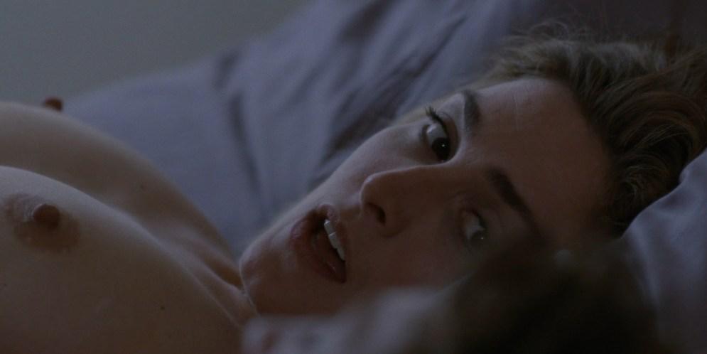 Julie Gayet nude full frontal and sex - Sans Laisser De Traces (FR-2010) hd1080p (2)