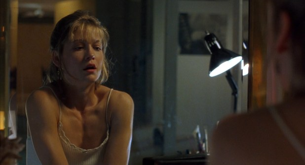Kelly Rowan hot sexy and side boob in shower - Candyman: Farewell to the Flesh (1995) hd1080p (5)