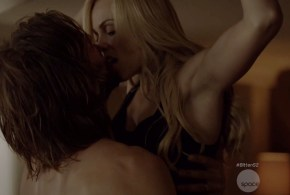 Laura Vandervoort hot sex and Kaitlyn Leeb hot sex in lingerie – Bitten (2015) s2e1 hd720p