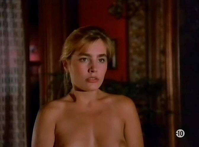 Sophie Duez  nackt