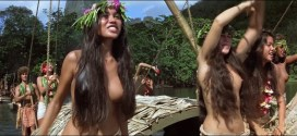 Tevaite Vernette nude topless wet and very hot - The Bounty (1984) hd1080p (15)