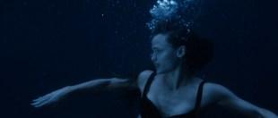 Jennifer Garner hot and sexy in bikini and lesbian kiss - Elektra (2005) hd1080p