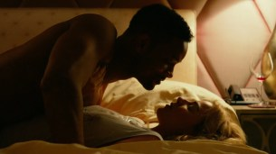 Margot Robbie hot in bikini some sex and nipple - Focus (2015) hd1080p (4)