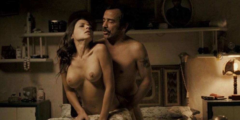Elizabeth Cervantes nude sex doggy style - El infierno (MX-2010) hd720p (1)