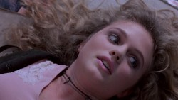 Kelly Lynch nude but covered Heather Graham hot - Drugstore Cowboy (1989) HD 1080p BluRay (5)