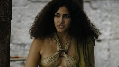 Carice van Houten nude topless and Emilia Clarke hot not nude - Game of Thrones (2015) s5e4 hd720/1080p (6)
