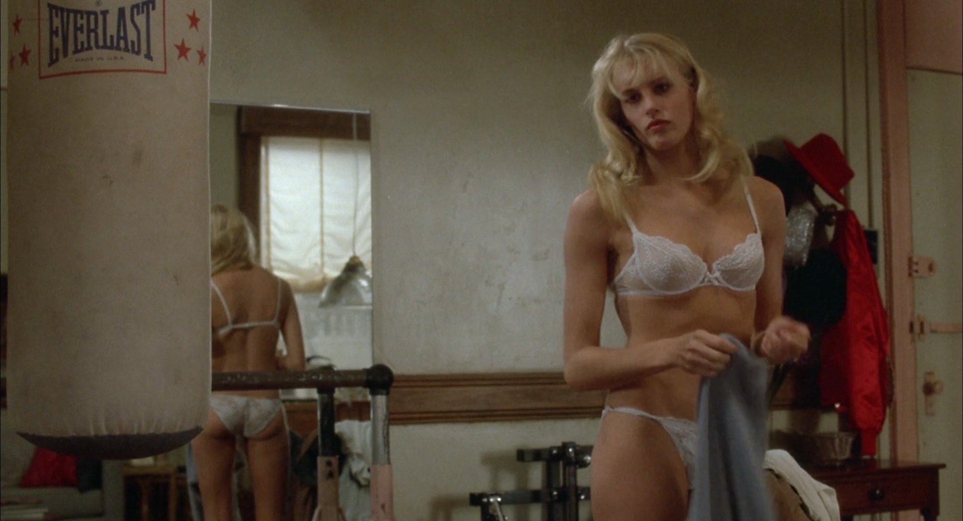 Daryl Hannah Hot Andsexy In Bar And Panties - The Pope Of -8887