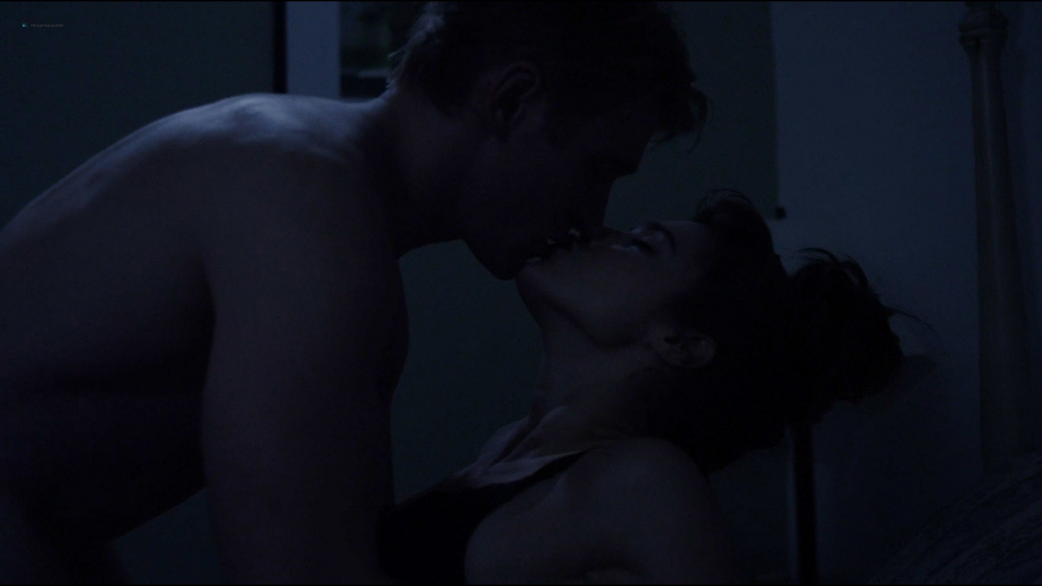 Lucy Griffiths hot sex Cassidy Freeman sex - Don't Look Back (2014) HD 1080p Web (3)