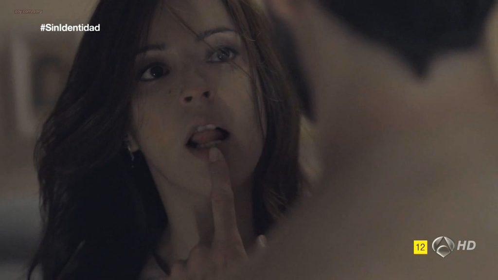 Megan Montaner nude sex and Veronica Sanchez nude too - Sin Identidad (ES-2014) S1 HDTV 720p (5)
