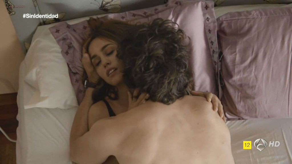 Megan Montaner nude sex and Veronica Sanchez nude too - Sin Identidad (ES-2014) S1 HDTV 720p (3)