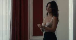 Bérénice Marlohe hot and sexy in bra - 5 to 7 (2014) Web-DL hd1080p (2)