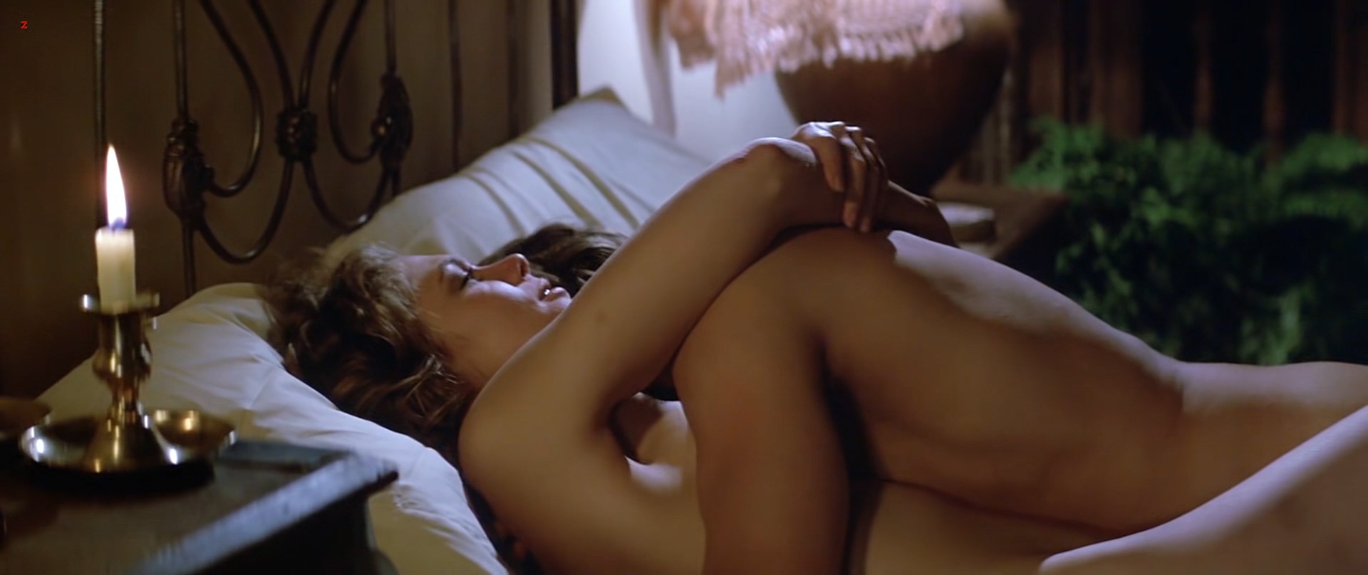 Kathleen Turner nude but covered side boob Kymberly Herrin hot see through - Romancing the Stone (1984) hd1080p BluRay (11)