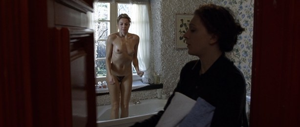 Kseniya Rappoport nude full frontal and Claudia Gerini nude full frontal too- La sconosciuta (IT-2006) hd1080p (1)