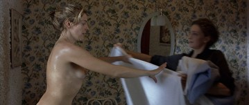 Kseniya Rappoport nude full frontal and Claudia Gerini nude full frontal too- La sconosciuta (IT-2006) hd1080p (16)