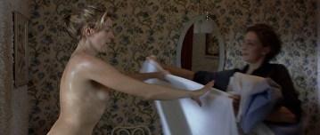 Kseniya Rappoport nude full frontal and Claudia Gerini nude full frontal too- La sconosciuta (IT-2006) hd1080p (16)