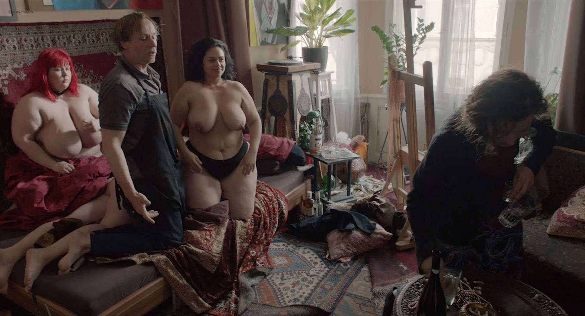 Marie Málková nude full frontal sex and others nude - Fotograf (CZ-2015) Web-DL hd1080p (4)