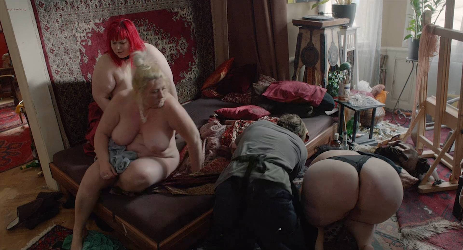 Marie Málková nude full frontal sex and others nude - Fotograf (CZ-2015) Web-DL hd1080p (3)