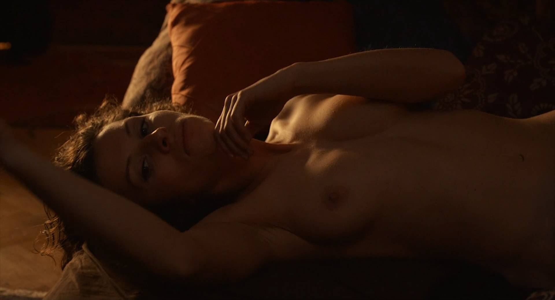 Marie Málková nude full frontal sex and others nude - Fotograf (CZ-2015) Web-DL hd1080p (15)