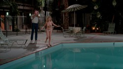 Beverly D'Angelo nude topless and Christie Brinkley hot in bra - National Lampoons Vacation (1983) hd1080p BluRay (11)