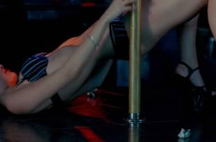 Dominik García-Lorido hot sexy as pole dancer - City Island (2009) hd1080p BluRay (5)