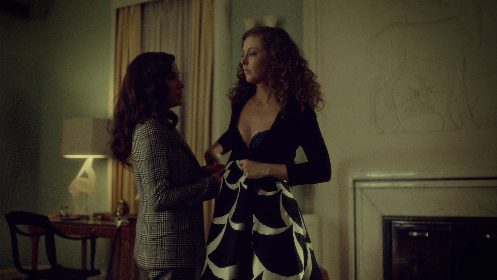 Katharine Isabelle hot lingerie and Caroline Dhavernas hot lesbian – Hannibal (2015) s3e6 hd1080p (11)