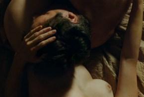 Marie-Josée Croze nude brief topless and sex – Je l'aimais (FR-2009)