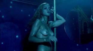 Alice Braga nude topless bush and lot of sex - Cidade Baixa (BR-2005)