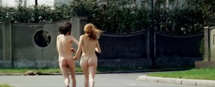 Britt Ekland butt naked running nude - The Year of the Cannibals (1970) hd720p