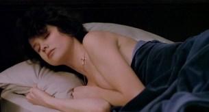 Daphne Zuniga nude butt naked- Last Rites (1988) hd720p Web-DL (1)